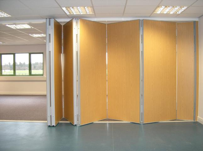 Multifold sliding folding partition Type M80 centre folding